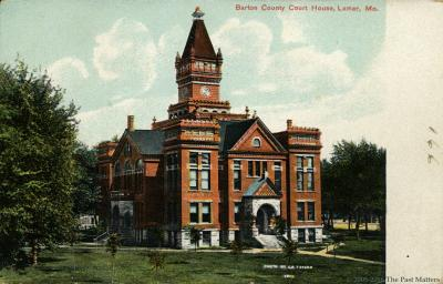 Barton County Courthouse in Lamar, Missouri about 1904