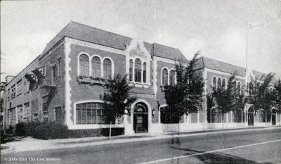 Luzier's in the Halls Bros. building in Kansas City, Missouri about 1930